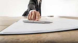 Jak bezpiecznie rozstać się z pracownikiem, który miał dostęp do informacji poufnych?